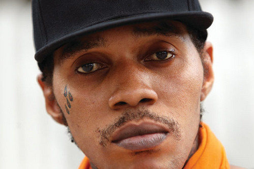 VYBZ KARTEL NOT STABBED IN THE NECK; IN COURT THIS MORNING