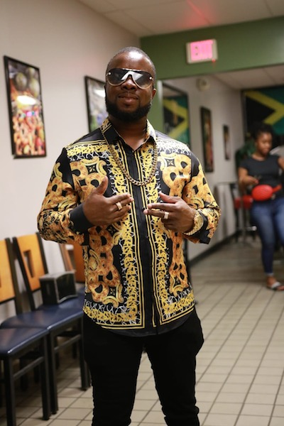 JB gets buzz with 'Number One Stunna'